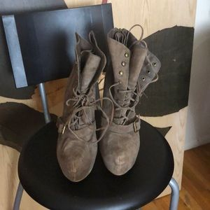 5in lace up boot (used)